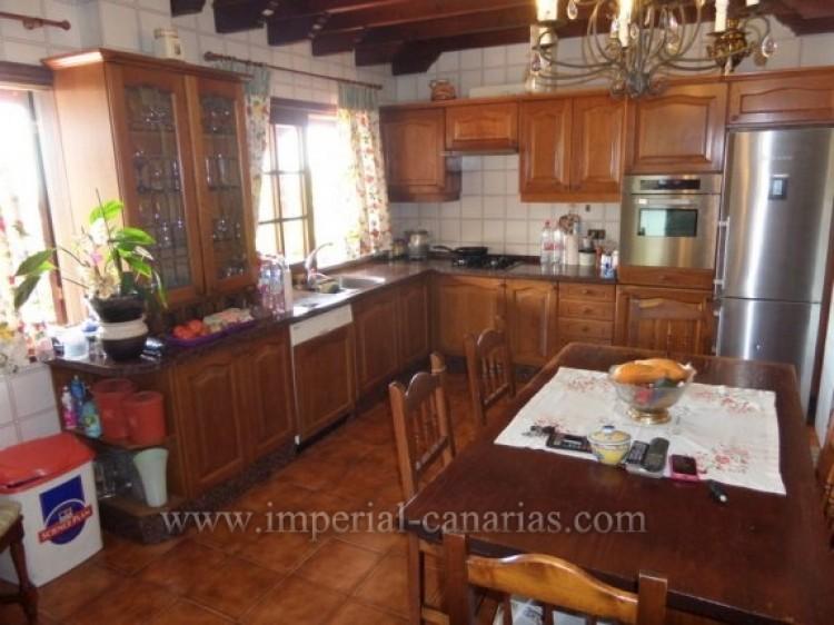 5 Bed  Villa/House for Sale, Puerto de la Cruz, Tenerife - IC-VCH9213 9