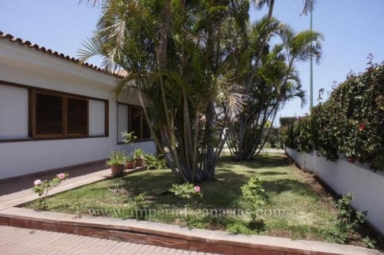 4 Bed  Villa/House for Sale, Puerto de la Cruz, Tenerife - IC-VCH9133 2