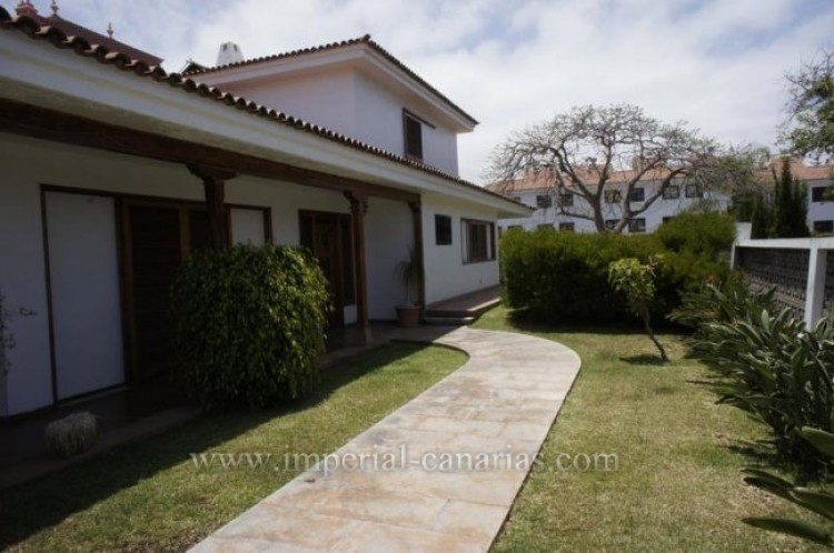 4 Bed  Villa/House for Sale, Puerto de la Cruz, Tenerife - IC-VCH9133 3