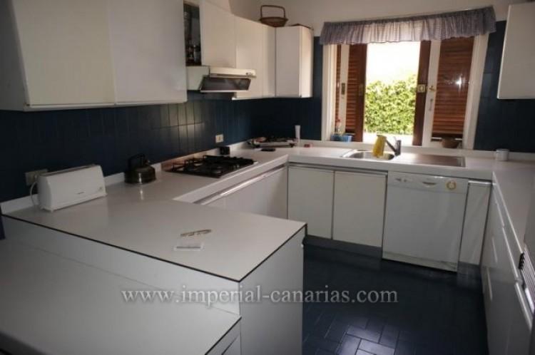 4 Bed  Villa/House for Sale, Puerto de la Cruz, Tenerife - IC-VCH9133 8