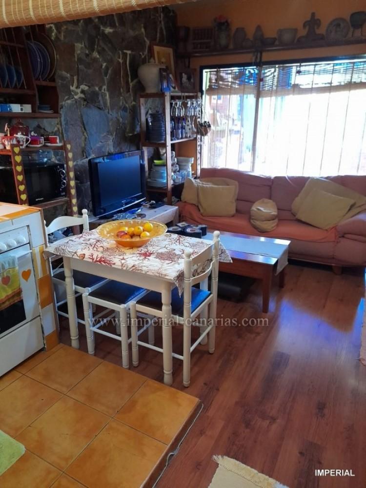 2 Bed  Villa/House for Sale, Puerto de la Cruz, Tenerife - IC-VPI8799 2