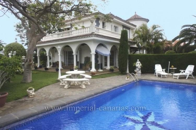 5 Bed  Villa/House for Sale, La Orotava, Tenerife - IC-VCH8781 1