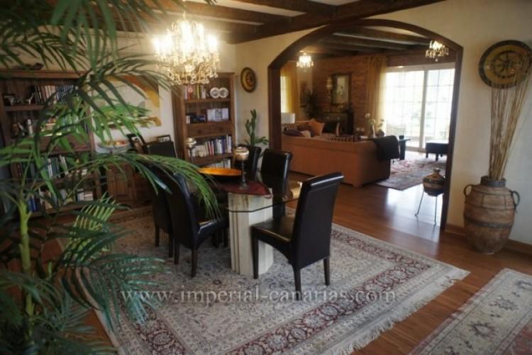 5 Bed  Villa/House for Sale, La Orotava, Tenerife - IC-VCH8781 5