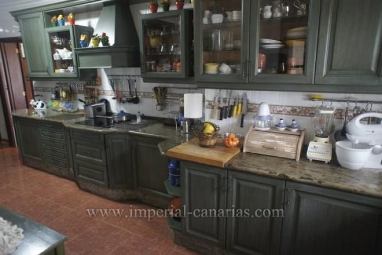 5 Bed  Villa/House for Sale, La Orotava, Tenerife - IC-VCH8781 6