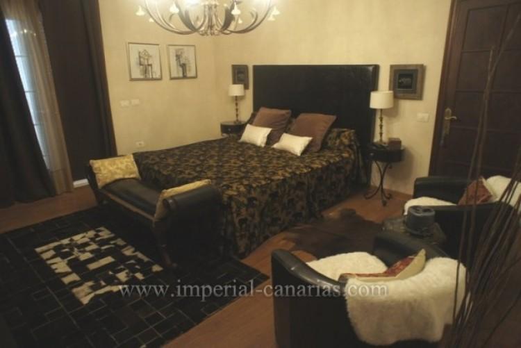 5 Bed  Villa/House for Sale, La Orotava, Tenerife - IC-VCH8781 9