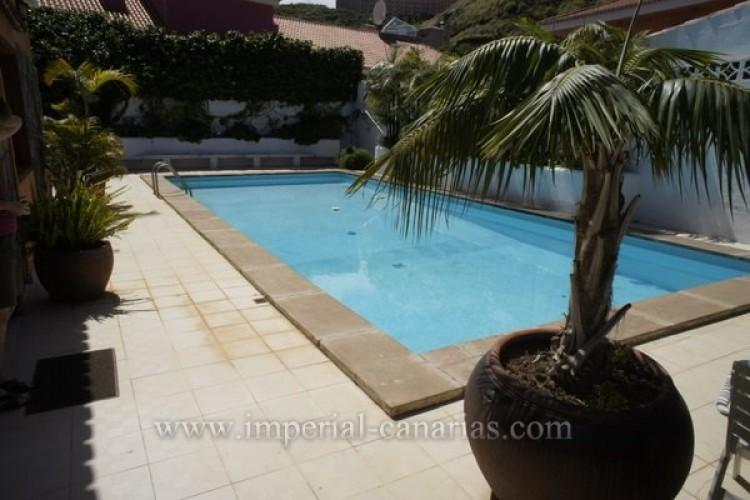 5 Bed  Villa/House for Sale, Puerto de la Cruz, Tenerife - IC-VCH8741 10