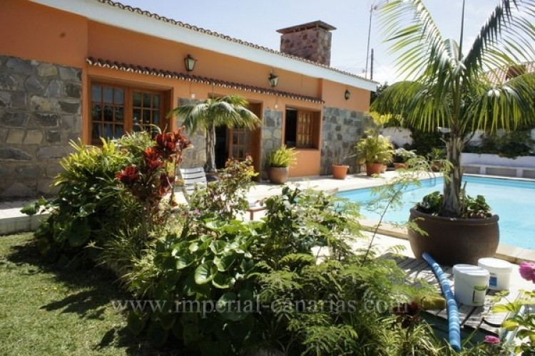 5 Bed  Villa/House for Sale, Puerto de la Cruz, Tenerife - IC-VCH8741 11