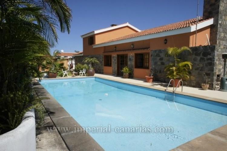 5 Bed  Villa/House for Sale, Puerto de la Cruz, Tenerife - IC-VCH8741 12