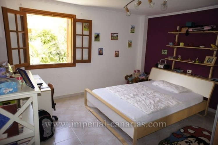 5 Bed  Villa/House for Sale, Puerto de la Cruz, Tenerife - IC-VCH8741 13