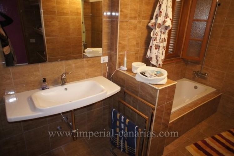 5 Bed  Villa/House for Sale, Puerto de la Cruz, Tenerife - IC-VCH8741 14