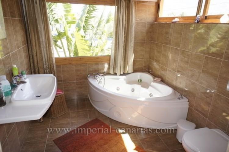 5 Bed  Villa/House for Sale, Puerto de la Cruz, Tenerife - IC-VCH8741 18