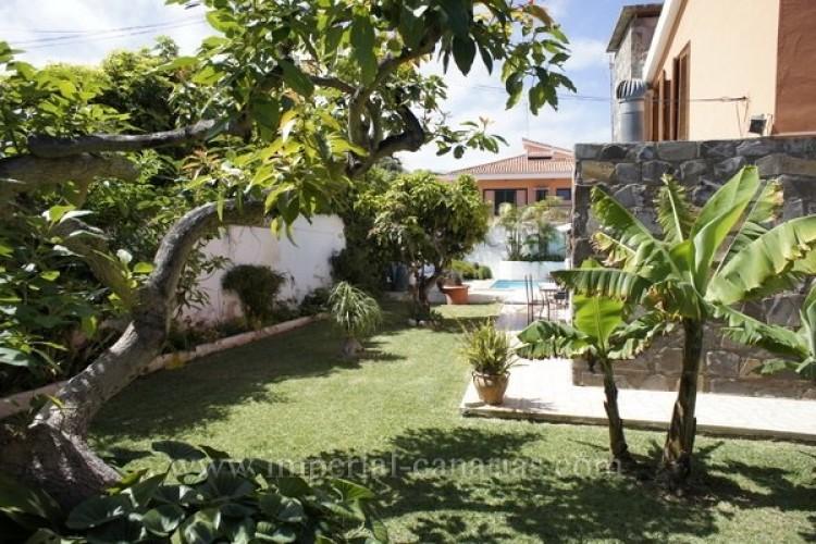 5 Bed  Villa/House for Sale, Puerto de la Cruz, Tenerife - IC-VCH8741 3