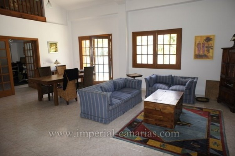 5 Bed  Villa/House for Sale, Puerto de la Cruz, Tenerife - IC-VCH8741 6