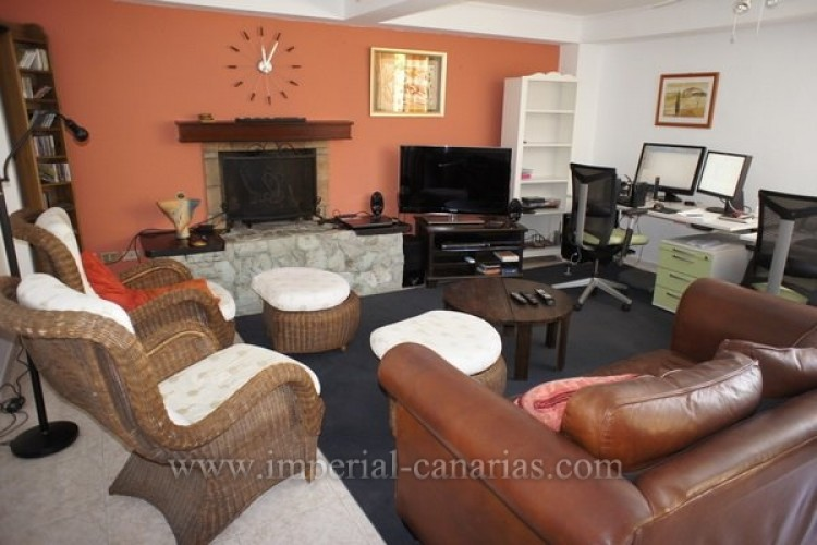 5 Bed  Villa/House for Sale, Puerto de la Cruz, Tenerife - IC-VCH8741 9