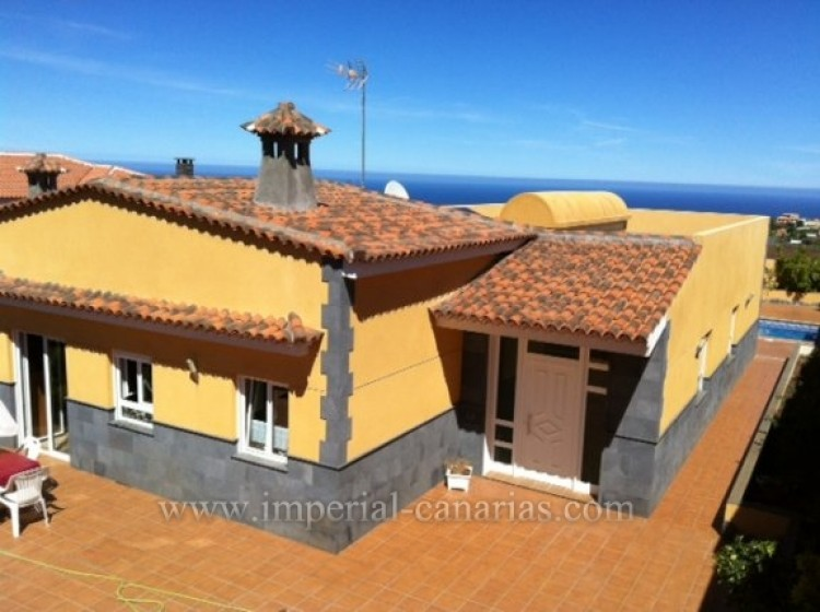 4 Bed  Villa/House for Sale, Tacoronte, Tenerife - IC-VCH8630 1
