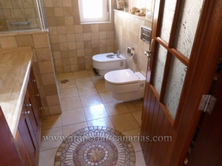 4 Bed  Villa/House for Sale, Tacoronte, Tenerife - IC-VCH8630 10