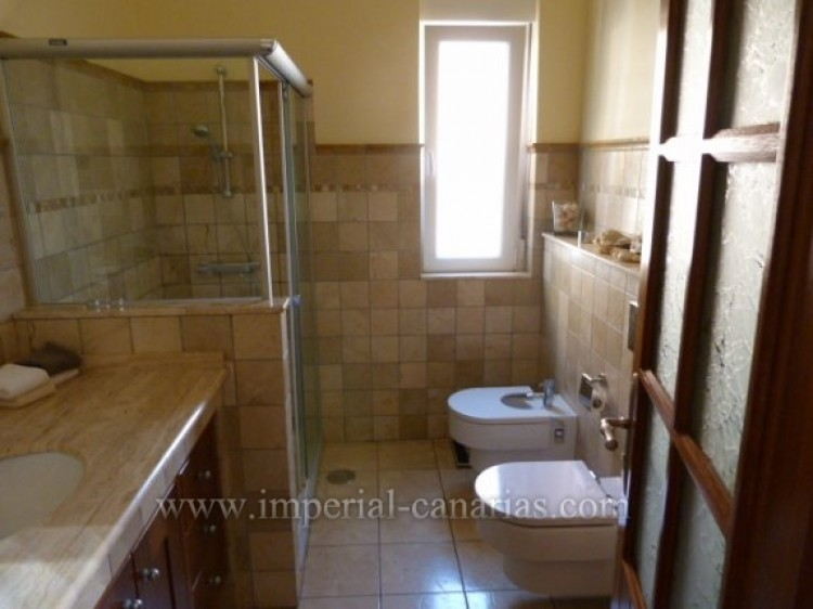 4 Bed  Villa/House for Sale, Tacoronte, Tenerife - IC-VCH8630 9