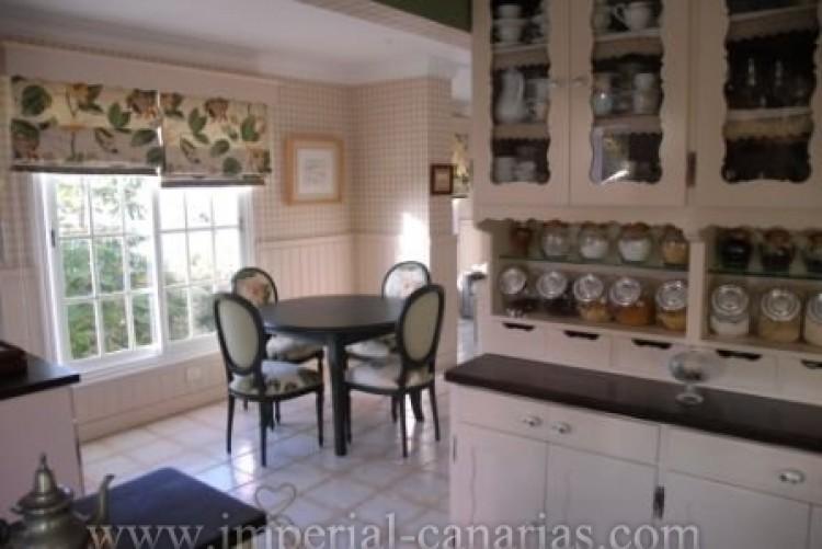 4 Bed  Villa/House for Sale, El Sauzal, Tenerife - IC-VCH8411 10