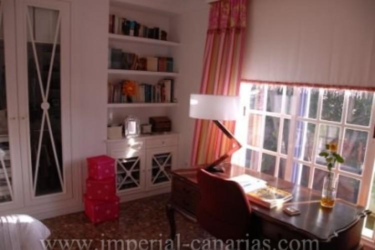 4 Bed  Villa/House for Sale, El Sauzal, Tenerife - IC-VCH8411 13