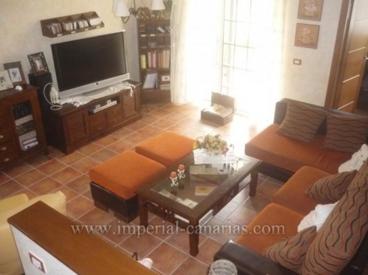 4 Bed  Villa/House for Sale, Santa Ursula, Tenerife - IC-VAD8341 2