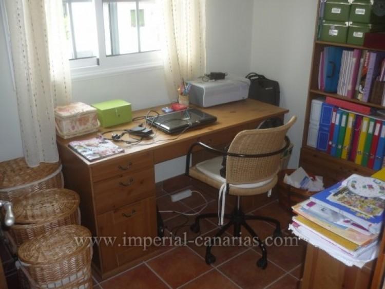 4 Bed  Villa/House for Sale, Santa Ursula, Tenerife - IC-VAD8341 3