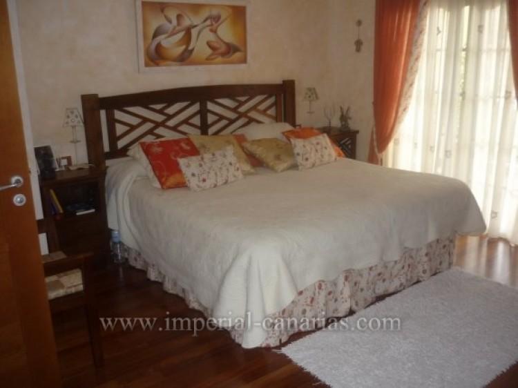 4 Bed  Villa/House for Sale, Santa Ursula, Tenerife - IC-VAD8341 5