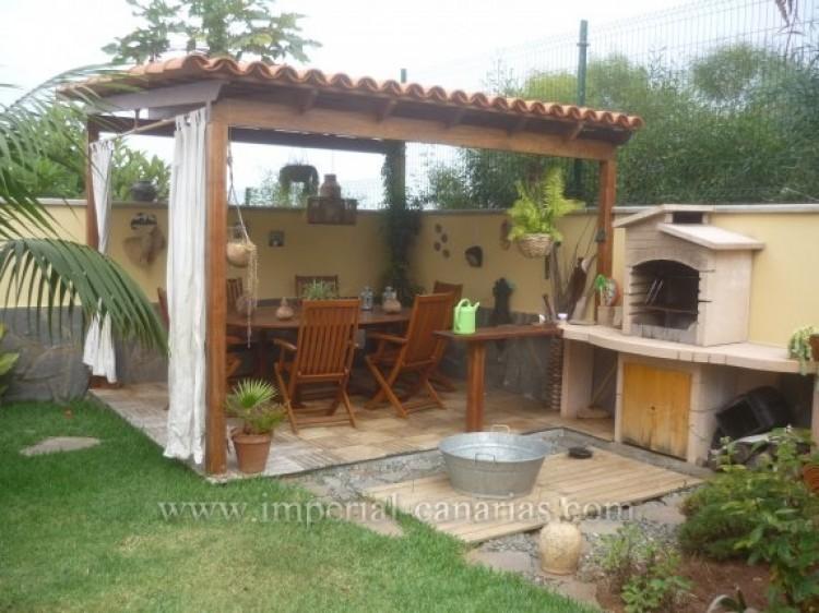 4 Bed  Villa/House for Sale, Santa Ursula, Tenerife - IC-VAD8341 9
