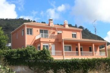 4 Bed  Villa/House for Sale, La Laguna, Tenerife - IC-VCH8010