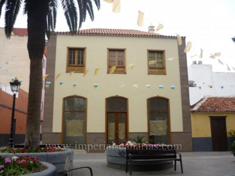 Villa/House for Sale, Puerto de la Cruz, Tenerife - IC-VCH7928 1