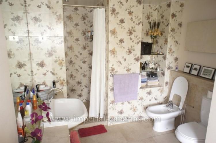 4 Bed  Villa/House for Sale, Santa Ursula, Tenerife - IC-VCH7836 11