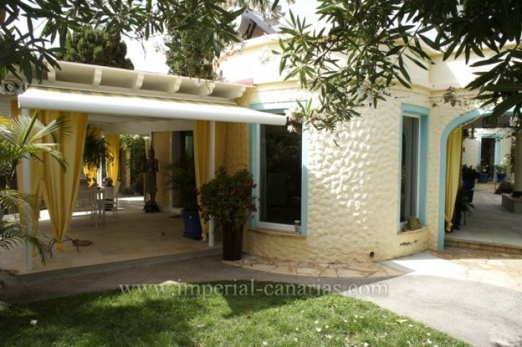 4 Bed  Villa/House for Sale, Santa Ursula, Tenerife - IC-VCH7836 2