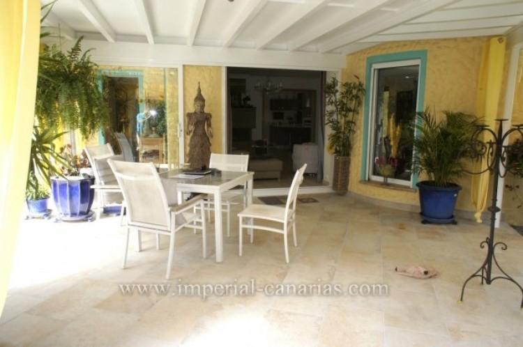 4 Bed  Villa/House for Sale, Santa Ursula, Tenerife - IC-VCH7836 3