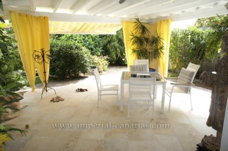 4 Bed  Villa/House for Sale, Santa Ursula, Tenerife - IC-VCH7836 4