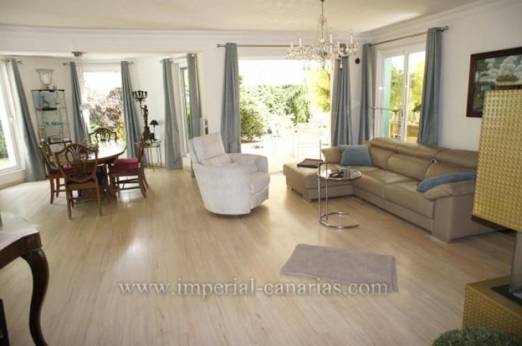 4 Bed  Villa/House for Sale, Santa Ursula, Tenerife - IC-VCH7836 6