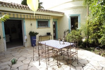 4 Bed  Villa/House for Sale, Santa Ursula, Tenerife - IC-VCH7836
