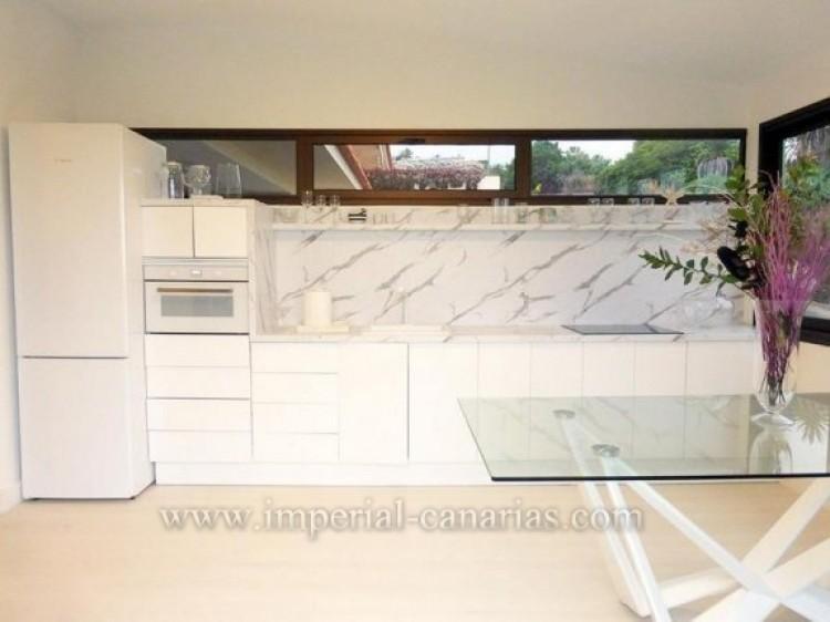1 Bed  Flat / Apartment to Rent, Puerto de la Cruz, Tenerife - IC-AAP7789 5