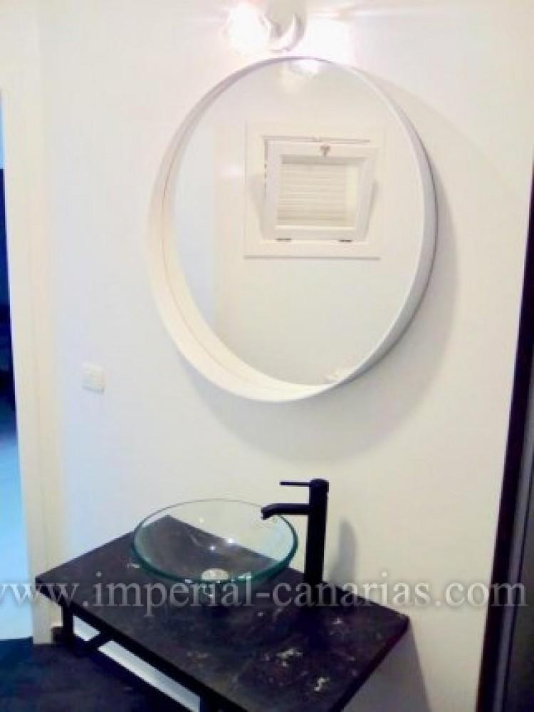 1 Bed  Flat / Apartment to Rent, Puerto de la Cruz, Tenerife - IC-AAP7789 9