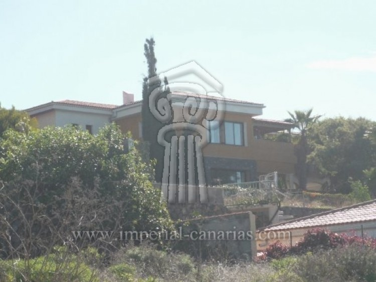 4 Bed  Villa/House for Sale, Tacoronte, Tenerife - IC-VCH7649 1