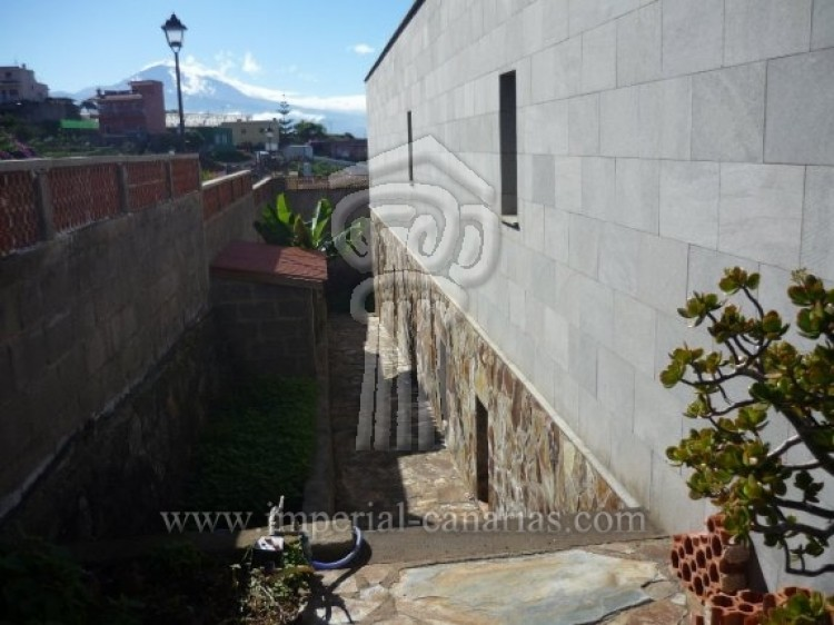 4 Bed  Villa/House for Sale, Tacoronte, Tenerife - IC-VCH7649 2