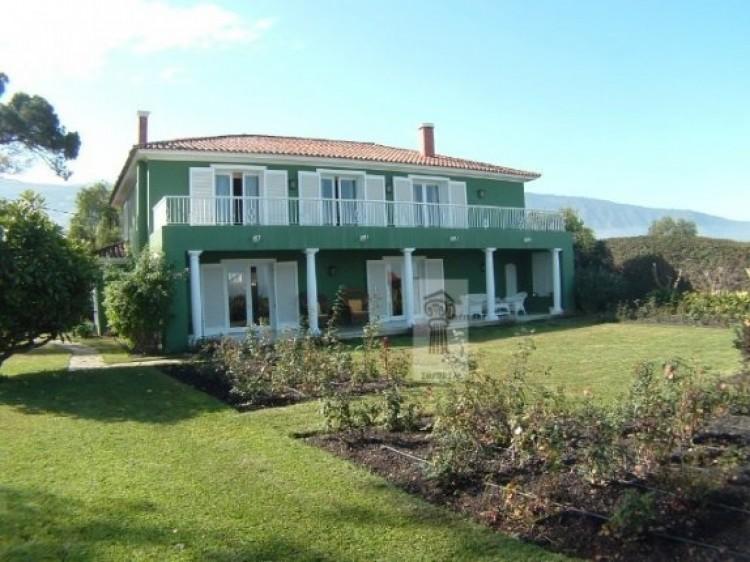 5 Bed  Villa/House for Sale, La Orotava, Tenerife - IC-52991 1