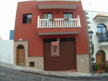 3 Bed  Villa/House for Sale, Los Realejos, Tenerife - IC-51106