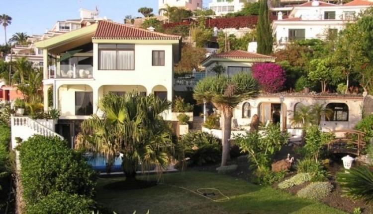 6 Bed  Villa/House for Sale, Santa Ursula, Tenerife - IC-52956 1
