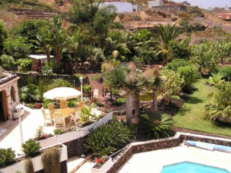 6 Bed  Villa/House for Sale, Santa Ursula, Tenerife - IC-52956 2