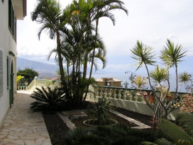 6 Bed  Villa/House for Sale, Santa Ursula, Tenerife - IC-52956 6