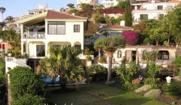 6 Bed  Villa/House for Sale, Santa Ursula, Tenerife - IC-52956