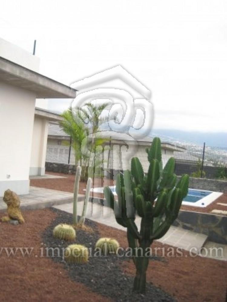 3 Bed  Villa/House for Sale, La Orotava, Tenerife - IC-52944 10