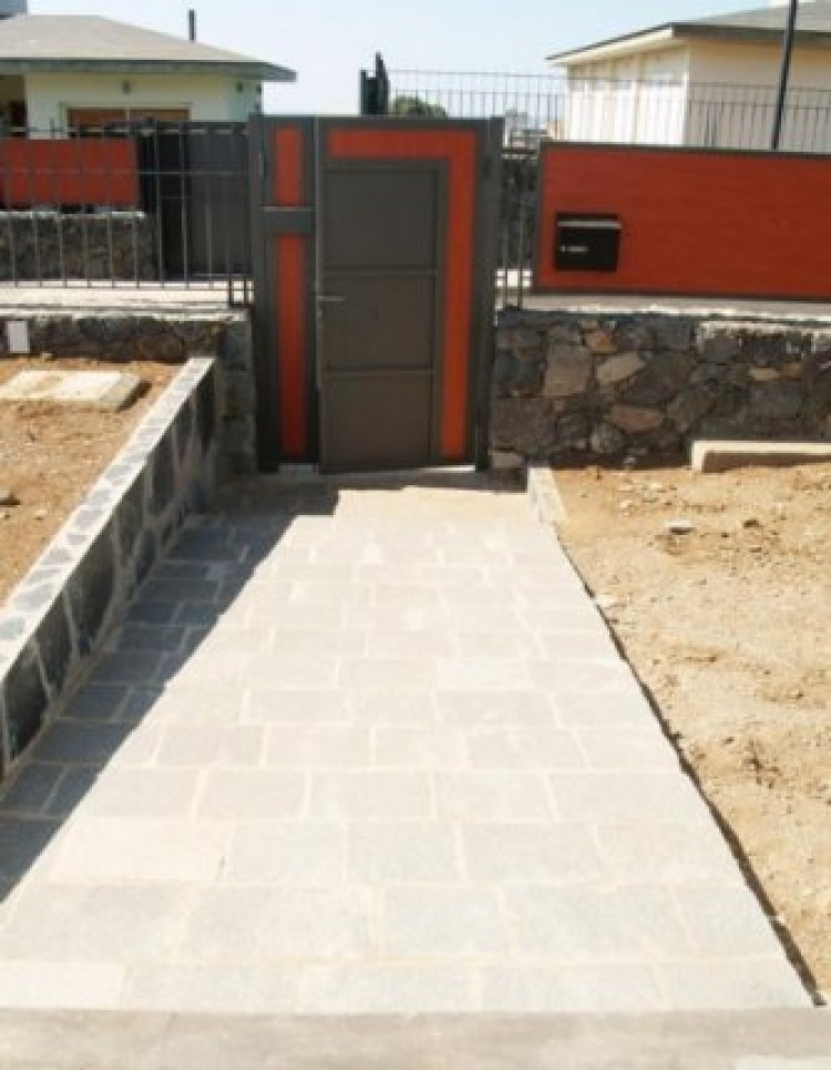 3 Bed  Villa/House for Sale, La Orotava, Tenerife - IC-52944 2