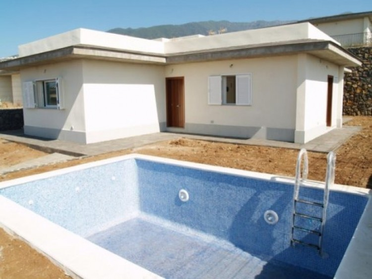 3 Bed  Villa/House for Sale, La Orotava, Tenerife - IC-52944 3