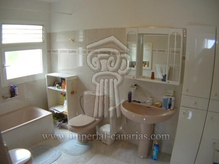 4 Bed  Villa/House for Sale, Puerto de la Cruz, Tenerife - IC-52568 15