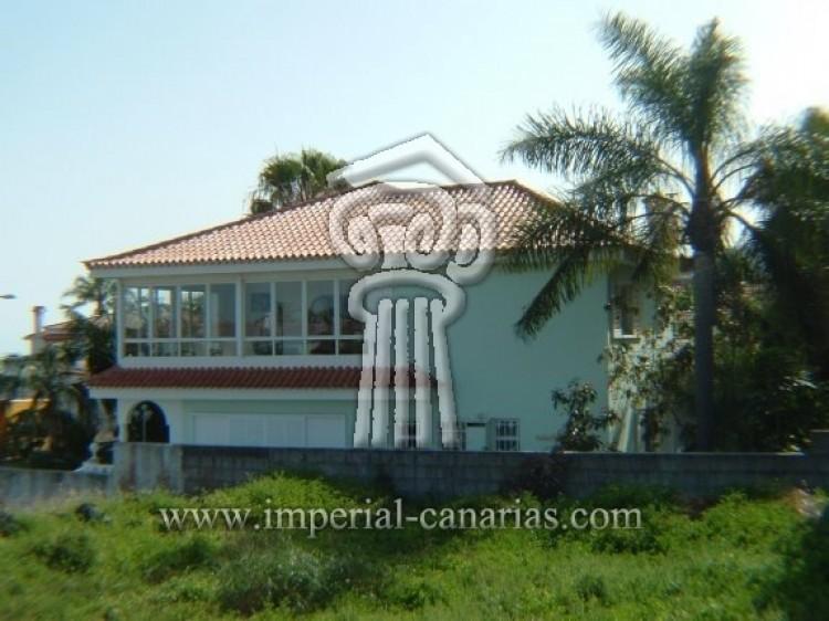 4 Bed  Villa/House for Sale, Puerto de la Cruz, Tenerife - IC-52568 2